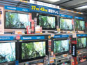 Display+makers+have+their+PDP+and+LCD+models+displayed+at+Japan+home+appliance+chain+stores