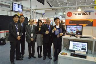 Jemmy Huang (on the right), the president of EverFocus along with the project managers promoted the ENVR8304E at the booth of Taiwan Excellence A