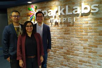 Fox-Tech CEO Sonic Wang (left), COO Yadia Colindres (center) and SparkLabs Taiwan managing partner Edgar Chiu (right)