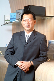 Shuttle product marketing vice president Jonathan Yi
