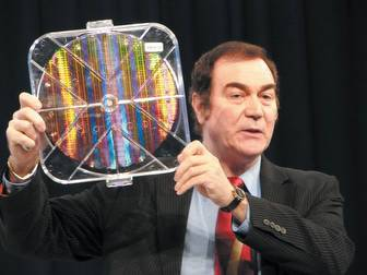 Intel shows 12-inch wafer produced using 45nm technology at IDF