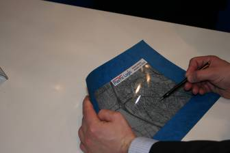 Plastic Logic shows flexible display at Finetech 2006