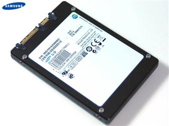 Samsung 512GB SSD utilizing new toggle-mode DDR NAND