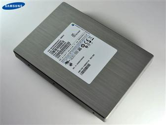 Samsung 3.5-inch 100 and 200GB SSD