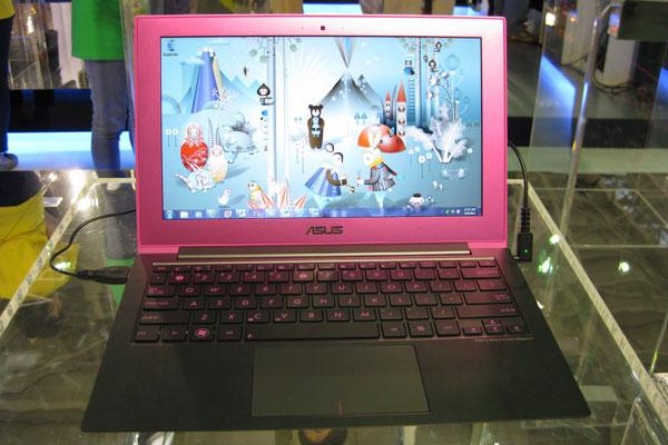 Hot pink ultrabook by Asustek