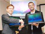 Tony Chen, general manager of notebook business in Asustek (left) and Ujesh Desai, general manager