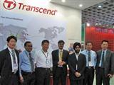 Transcend chairman Peter Su and Sunil Goyal, CEO of Bharti