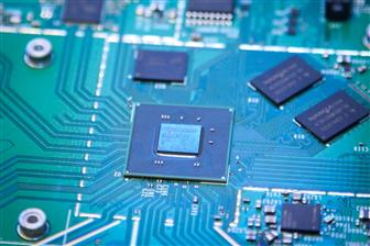 Chipmakers see downstream clients continue stockpiling