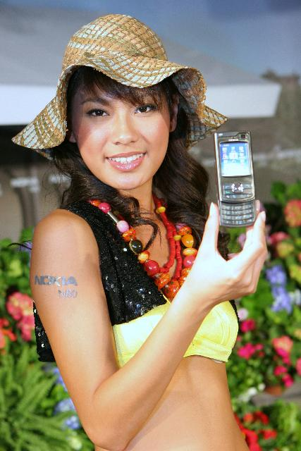 Nokia introduces N80 WCDMA mobile phone at Computex Taipei