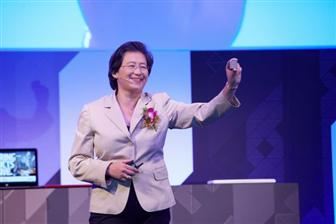 AMD+CEO+Lisa+Su+shows+a+Zen%2Dbased+CPU