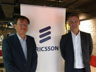 Ericsson+Taiwan+president+Hakan+Cervell+%28right%29+and+CTO+Dann+Yao