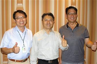 Wistron+ITS+CEO+Ching+Hsiao+%28center%29