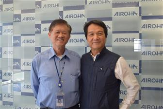 Airoha CEO David Chang (left) and UnlimiterHear chairman Kuo Ping Yang
