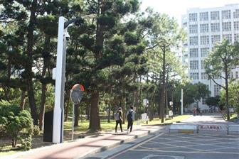 A+smart+LED+streetlamp+at+National+Tsing+Hua+University