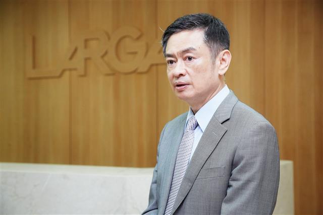 photo of Largan sees decreased April revenues image